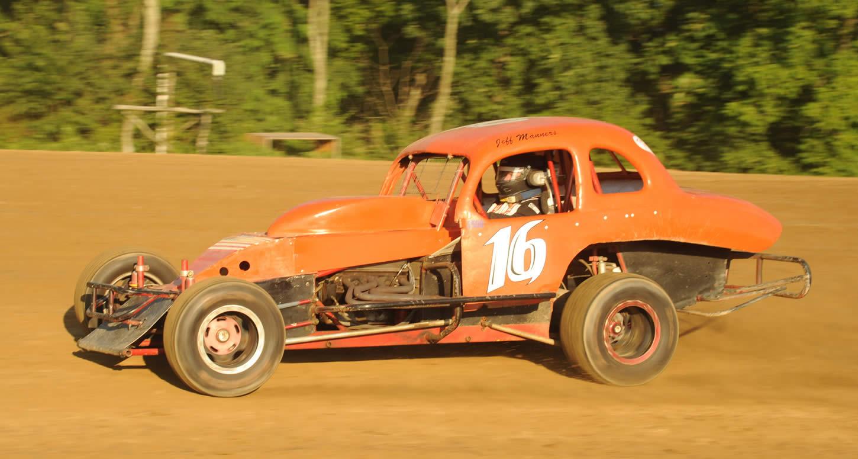 Nostalgia Night  Thunder on Dirt / Rush Wingless Sprint Cars